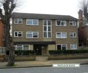 2 bed Ground Flat in Park Road: Central