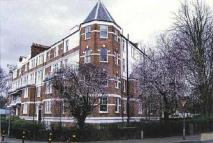 3 bed Flat in Flat 22 Oakhill Court...