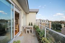 3 bed Penthouse in Melliss Avenue, Kew...