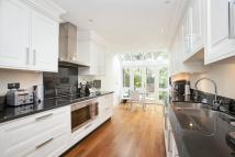 5 bed property to rent in Laubin Close, Twickenham...