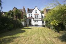 6 bedroom Detached home in Albany Park Road...