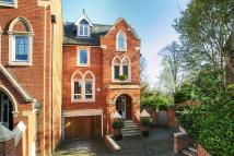 6 bedroom semi detached property to rent in Pomeroy Close...