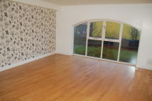 Flat to rent in Scotney Gardens...