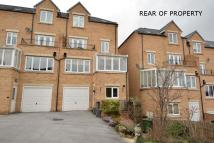 Town House in Post Hill Gardens, Pudsey