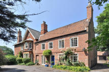 6 bed Detached home in The Old Rectory, Grove...