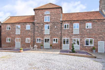 4 bed Barn Conversion in Barrington House...