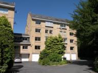 2 bed Flat in West Court, Roundhay...