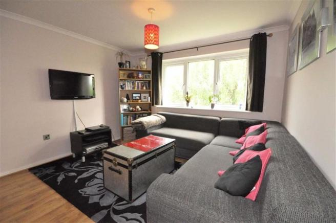 2 bedroom apartment for sale in Suffield Close Worcester WR6