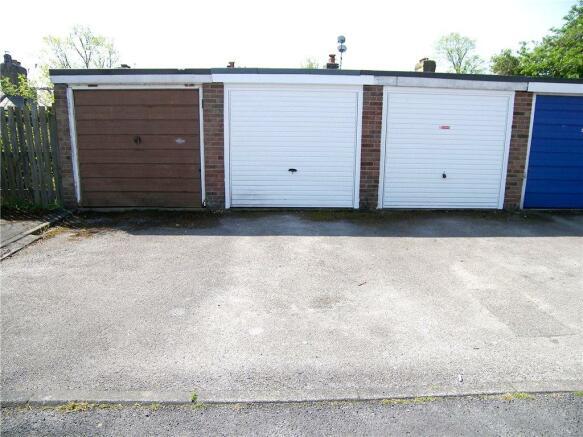 Parking / Garage