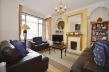 4 bedroom Terraced home in Palmers Green