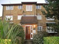 Apartment in Laburnum Close...