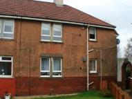 Flat to rent in Coulter Avenue...