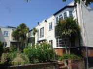 Flat to rent in Grover Court...