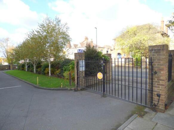 Gated Private Entran
