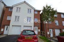 4 bed semi detached property in Regis Park Road, Earley