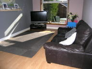 2 bedroom Terraced house in Parksail Drive, Erskine...