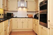 Turners Hill Road Apartment to rent
