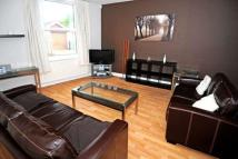 2 bed Terraced home to rent in West Street, Southgate...