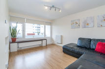 1 bed Apartment to rent in Holmsley House...