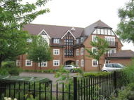 3 bedroom Apartment in Garraway Court...