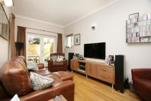 2 bedroom Flat for sale in Woodchurch Road...