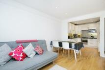 2 bedroom Flat in Moreland Court...