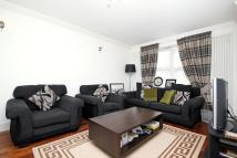 2 bedroom Flat in Newhaven Court...