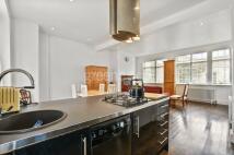 3 bedroom Terraced property in Victoria Mews...