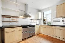 1 bedroom Flat in Tennyson Road, London...
