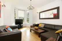 3 bed Flat in Iverson Road...