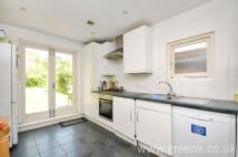 3 bed home in Shoot Up Hill, Kilburn...