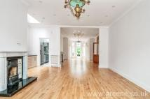 4 bedroom Flat in Canfield Gardens, London...