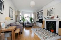2 bed Flat to rent in Lyncroft Mansions...
