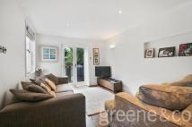 3 bed Flat in Victoria Road, London...