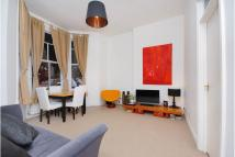 Flat to rent in Dennington Park Road...