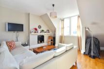 2 bedroom Flat in Dartmouth Road, London...