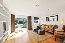 3 bed Flat for sale in Greencroft Gardens...