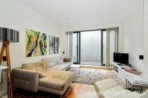 Flat for sale in Holmes Road...