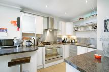 2 bedroom Flat to rent in Chandos Court...
