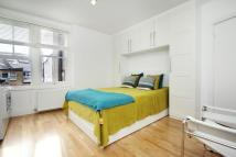Flat to rent in Glenloch Road, London...