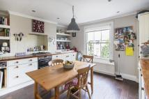 3 bed Flat to rent in Godolphin Road, W12