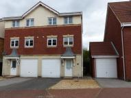 3 bedroom Town House to rent in Kingfisher Close,