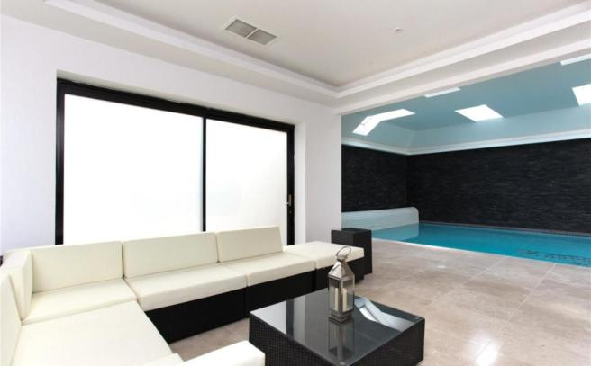 Pool Sitting Area