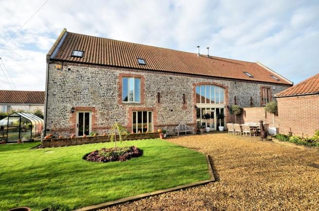 4 bedroom barn conversion for sale in castle acre pe32