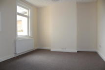 2 bedroom Flat in Victoria Road, Swindon...