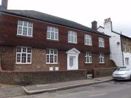 2 bedroom Apartment in Worple Road, Isleworth...