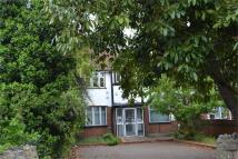 Flat to rent in Bath Road, Hounslow...
