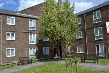 Apartment to rent in Old Farm Close, Hounslow...