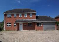 4 bed Detached home to rent in Alton Road, Odiham, HOOK