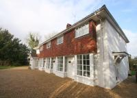 4 bed Detached home to rent in Thames Street, Sonning...